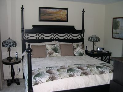 Master Bedroom (King Size) The most comfortable bed ever