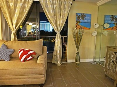 Photo for w03 Convention/Strip Upgraded Suite 3 Beds/2 Baths