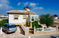 Lovely spacious villa in great area