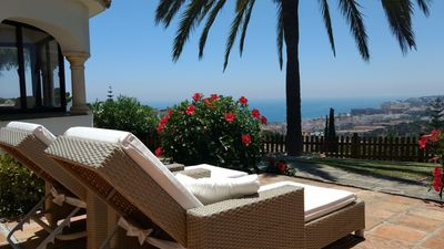 Photo for Villa with panoramic view and private pool in La Cala de Mijas
