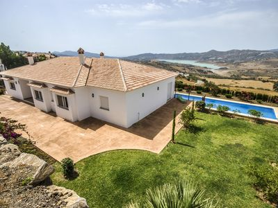 Photo for VILLA WITH LAKE VIEWS, PRIVATE POOL & PARKING 30 MIN FROM THE BEACH