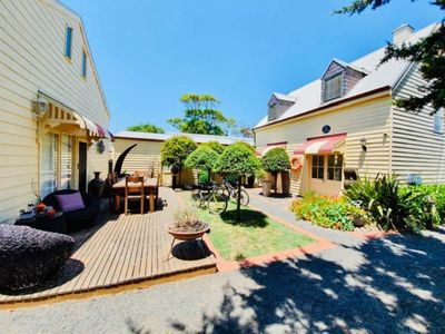 Gowrie Guest House - Where hospitality meets the sea!