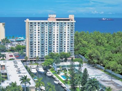 Photo for Ft Lauderdale Beach Resort 10th Floor  Condo, Super Bowl week!