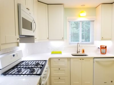 Bright and cheerful clean kitchen. Everything you need.
