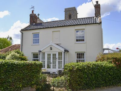 Photo for 2 bedroom accommodation in Trunch, near North Walsham