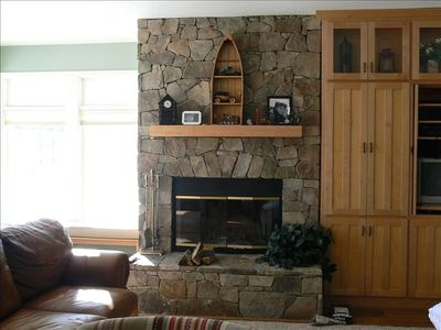 Photo for Slopeside Ski in/Ski Out Condo Sleeps 6, Walk to Restaurants