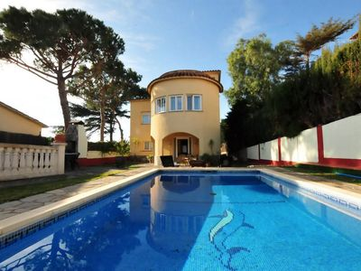 Photo for HOUSE WITH SWIMMING POOL AND VIEWS TO THE SEA 20 MIN AWAY FROM BARCELONA.