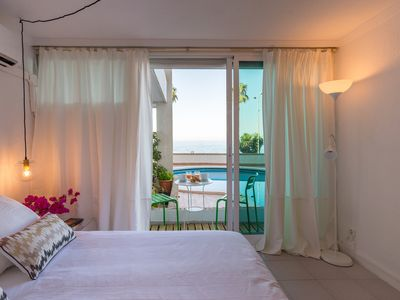 Photo for El Morlaco: apartment with pool facing the sea