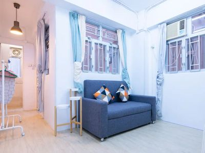 2 mins MTR Walkup building in Centre of Sheung Wan, 2BR