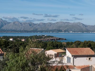 Photo for Perfect family holiday villa with outdoor BBQ, WiFi, Netflix and Views