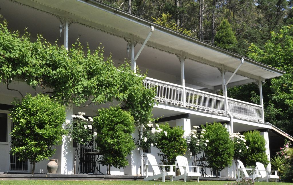 Brentwood B&B Apartments - Garden View Apartment - Stunning setting for couples.