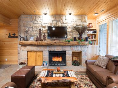 Photo for Cozy, Rustic 2 Bdrm/2 Bath Condo - Private Hot Tub - Discounted DV lift tix