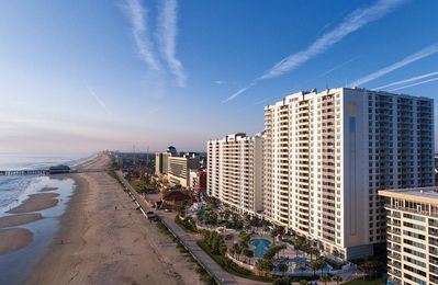 Photo for Daytona Beach, FL: 2 Bedroom Standard Condo w/Beach, Resort Pools, WiFi & More!