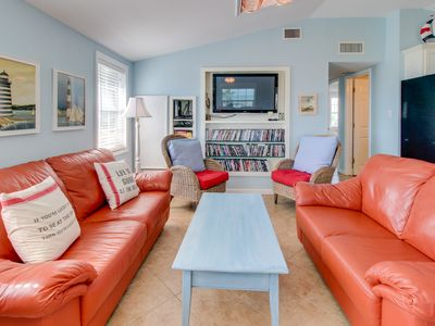 Photo for Breezy home with a deck, Gulf views & easy access to the sand!