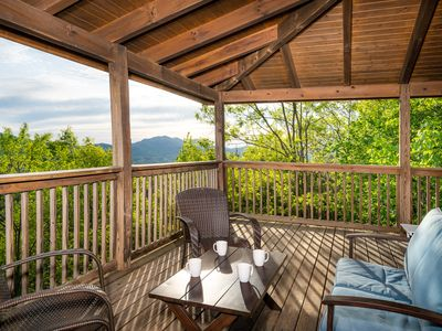 Photo for AWESOME Views,Hot Tub,Pool Table, FREE Attraction Tickets!!!!