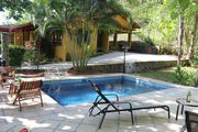 Quiet country home with pool 5 minutes to Hermosa Beach, 15 minutes to Jaco