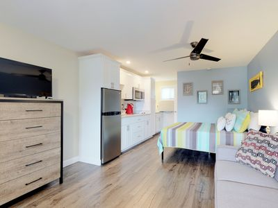 Photo for Comfortable studio w/ shared pool, terrace & BBQ - near beaches/attractions!