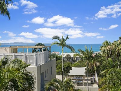 Photo for Descola 10 Noosa Hill