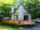 3BR Chalet Vacation Rental in Pocono Lake, Pennsylvania