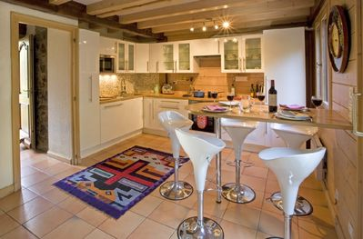 Chalet kitchen and breakfast bar