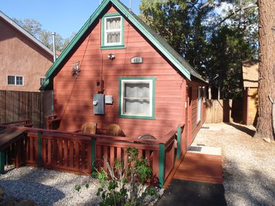 Photo for Renovated Air cond/heat, 1 Bdrm Boutique Cabin near ski lifts, enclosed bk yard