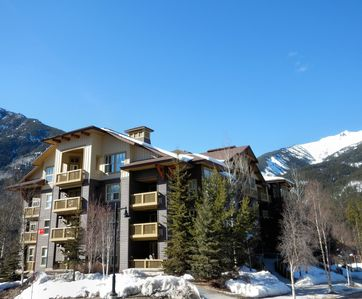 Photo for Slopeside Condo For 4 People At 1000 Peaks Summit