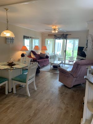 Photo for Convenient and quiet townhouse 3 mi to Beach with Pools