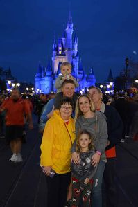 Photo for 2 Bedroom / 2 Bath & Full Kitchen/Laundry close to Disney and Univeral