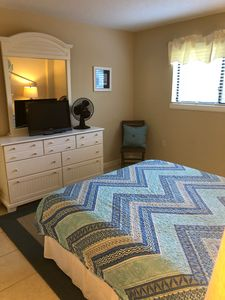 Great Rates! Nice Boardwalk to Beach.1 Indoor and 2 Outdoor pools.