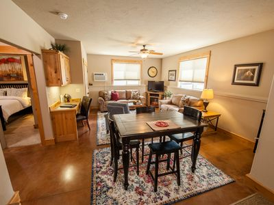 Arrowhead Lodge Suite 2 - 1 Mile To Yellowstone Park Entrance