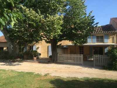 Photo for Detached house in restored Provencal farmhouse overlooking 5000m2 garden arb