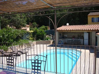 Photo for Charming Provencal country house with private pool 2 km from the beaches.