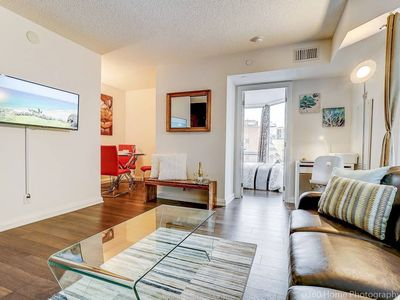 Photo for Yorkville | Netflix | Laundry | Fast Wifi  | Gym