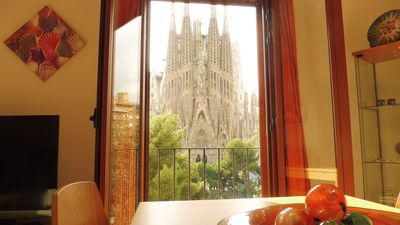 Photo for PANORAMIC SAGRADA FAMILIA 3 - ABSOLUTE FULL FRONT VIEWS