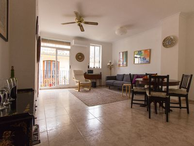 Photo for bright and spacious apartment in Old Town Valenica on the 4th floor