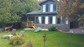 Tremendous Rejuvenating Waterfront Cottage Getaways Gatineau Mont Ste Marie Region Book Now Download Free Architecture Designs Intelgarnamadebymaigaardcom