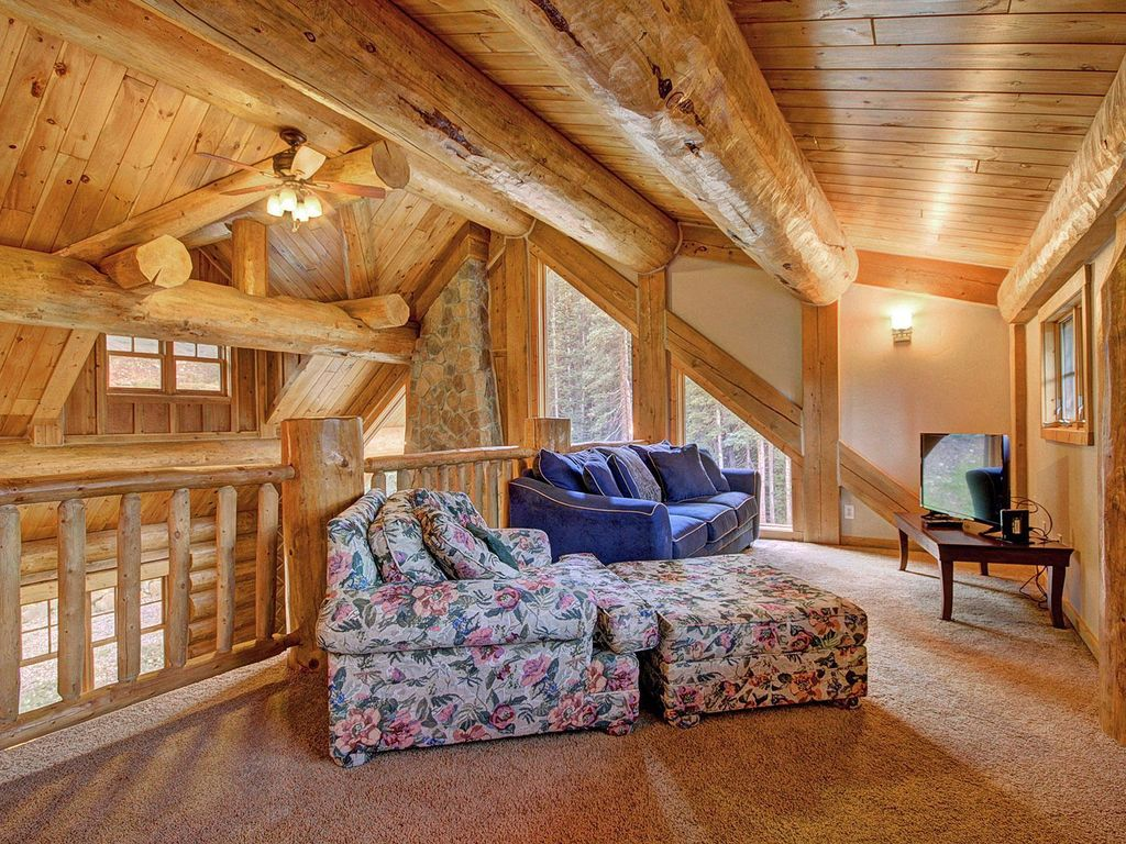 Beautiful log cabin private hot tub wooded views timber for Log cabin with hot tub one night stay