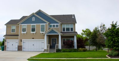 Photo for Upgraded And Modern Wasatch Valley Home. Close To Amenities, Restaurants.