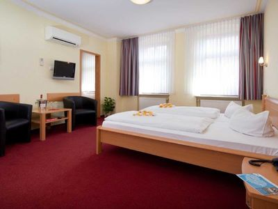 Photo for Double Room 8 - Hotel-Pension Am Schwanenteich