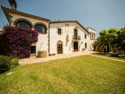 Photo for More Cruanyes. Great Pairal Masia. S .XVI. Sea views. 6 Suites. Great pool.