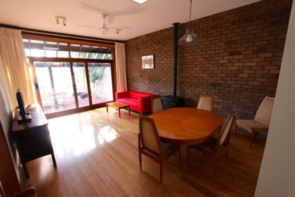 Two bedroom townhouse - Cosy & kid friendly