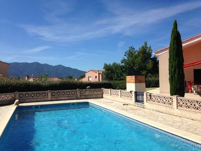 Photo for Villa with pool, large garden in quiet area with views of my