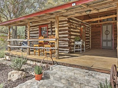 Photo for 'Gruene Cabin' - Pet Friendly New Braunfels Studio