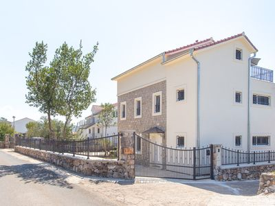 Spacious and modern holiday home in a tranquil village near the sea.