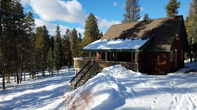 Photo for Family-friendly ski vacation home, 5 minutes from Main Street and Gondola