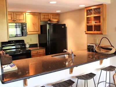 Photo for Eight Beds - In Unit Washer/Dryer - Walk to Lionshead