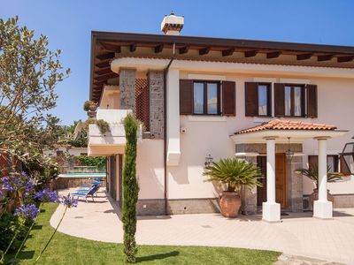 Photo for Family-friendly  private villa with private swimming pool