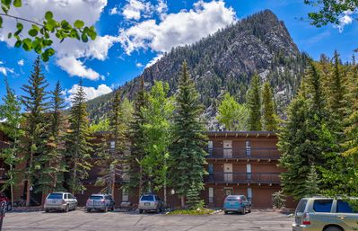Photo for A great value for those who want to do some skiing or boarding inexpensively. Ten Mile Island is a 2 bedroom, 2 bath condo just off Main Street in Frisco.