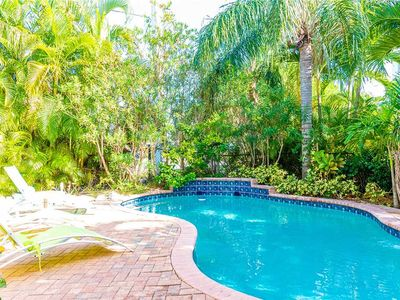 Short Walk to the Gulf Beaches - Private Heated Pool!
