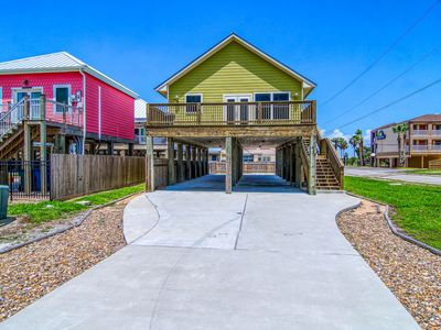 Photo for Gulf view home w/ huge deck steps from the beach - minutes to city!